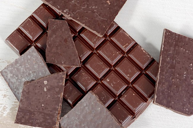 Milk chocolate - calories, kcal