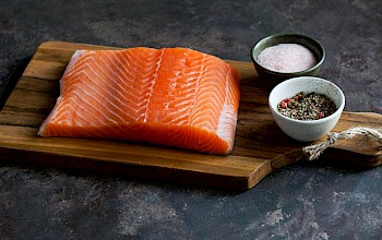 Smoked or grilled salmon - calories, nutrition, weight