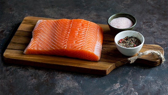 Smoked or grilled salmon - calories, kcal