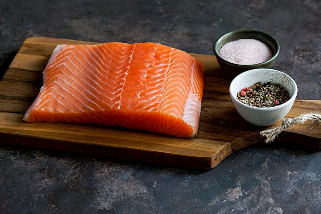 Smoked or grilled salmon - calories, kcal, weight, nutrition
