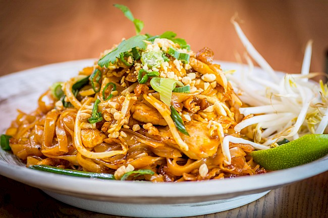 Pad Thai with chicken - calories, kcal