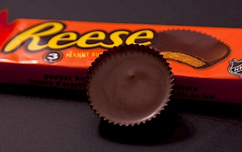 Reese's Peanut Butter Cup - calories, nutrition, weight