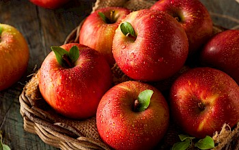 Fuji apple - calories, nutrition, weight