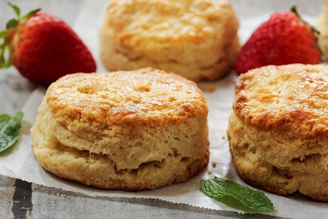Popeyes biscuit - calories, kcal