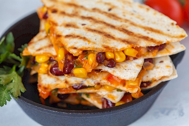 Quesadilla with vegetables - calories, kcal
