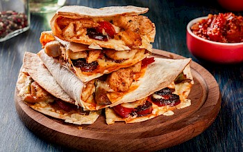 Quesadilla with chicken - calories, nutrition, weight