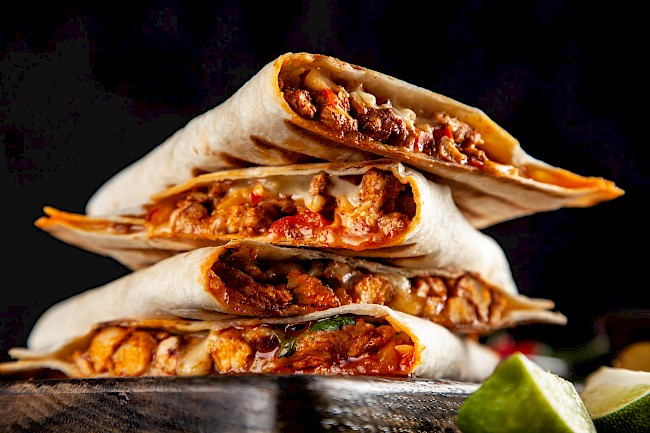 Quesadilla with meat - calories, kcal