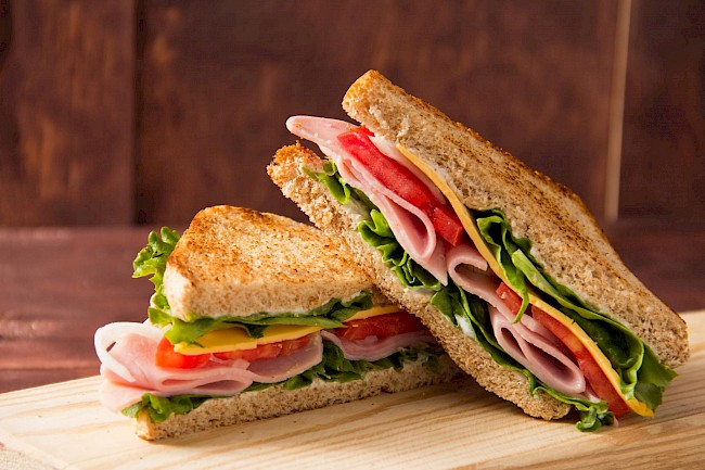 Ham and cheese sandwich - calories, kcal