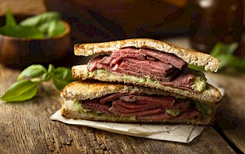 Pastrami sandwich - calories, nutrition, weight