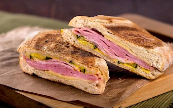 Cuban sandwich - calories, nutrition, weight