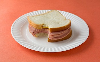 Bologna sandwich - calories, nutrition, weight