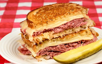 Corned beef sandwich - calories, nutrition, weight