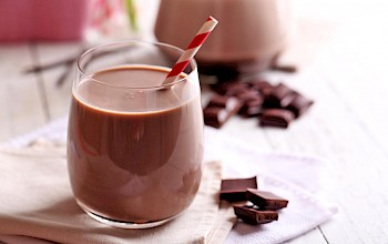 Chocolate milk - calories, nutrition, weight