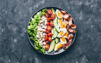 Cobb salad - calories, nutrition, weight
