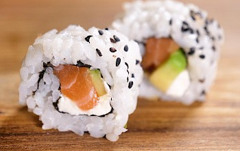 Tuna sushi roll - calories, nutrition, weight