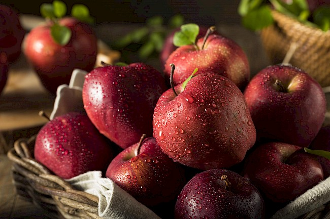 Red delicious apple - calories, kcal