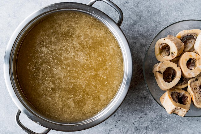 Bone broth - calories, kcal