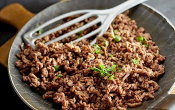 Cooked ground beef - calories, nutrition, weight