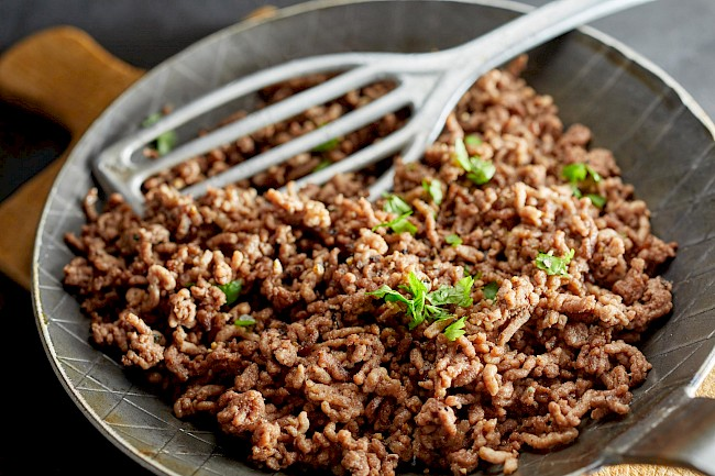 Cooked ground beef - calories, kcal