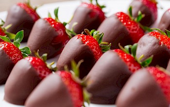 Chocolate covered strawberries - calories, nutrition, weight