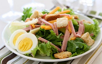 Chef salad - calories, nutrition, weight