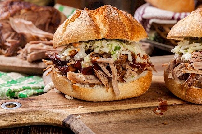 Pulled pork sandwich - calories, kcal