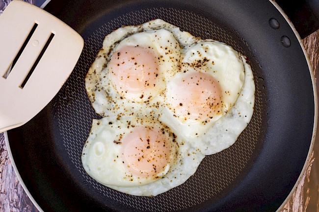 Egg over easy - calories, kcal