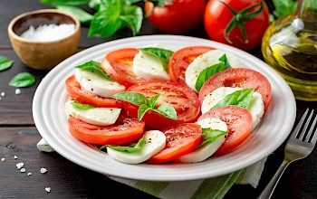 Caprese salad - calories, nutrition, weight