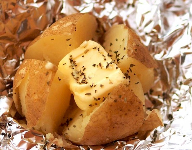 Baked potato with butter - calories, kcal