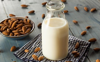 Unsweetened almond milk - calories, nutrition, weight