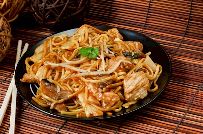 Chow mein - calories, kcal