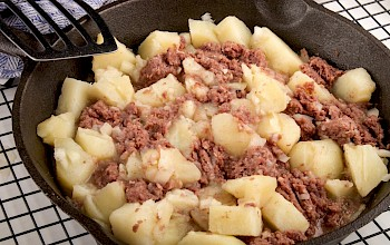 Corned beef hash - calories, nutrition, weight