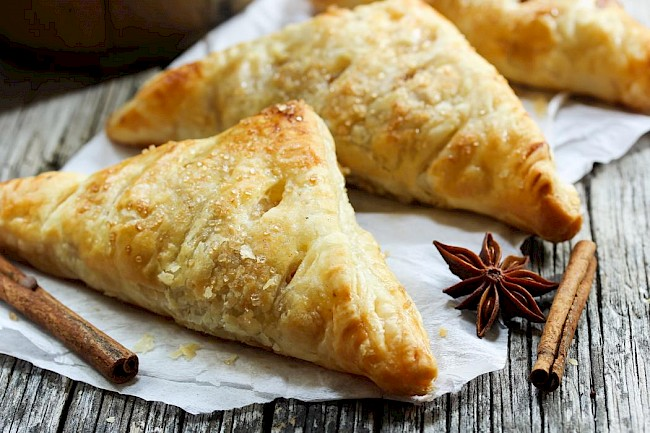 Apple turnover - calories, kcal