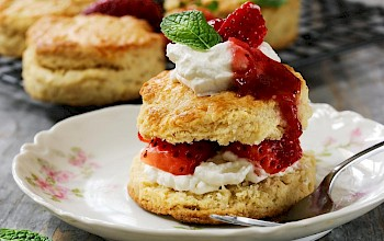 Strawberry shortcake - calories, nutrition, weight