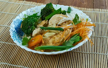 Moo Goo Gai Pan - calories, nutrition, weight