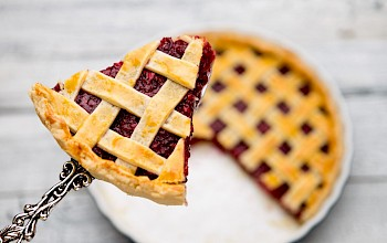 Cherry pie - calories, nutrition, weight