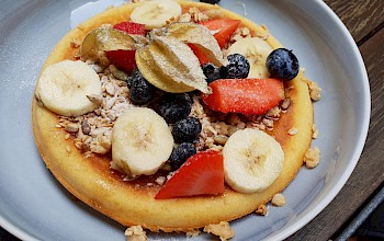 Pancake with fruit - calories, nutrition, weight