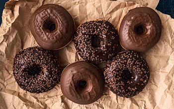 Chocolate donut - calories, nutrition, weight