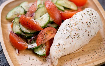 Cooked chicken breast - calories, nutrition, weight