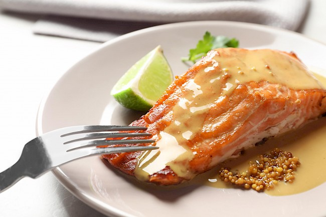 Cooked salmon - calories, kcal