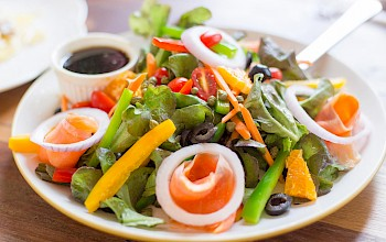 Seafood garden salad - calories, nutrition, weight