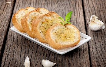 Frozen garlic bread - calories, nutrition, weight