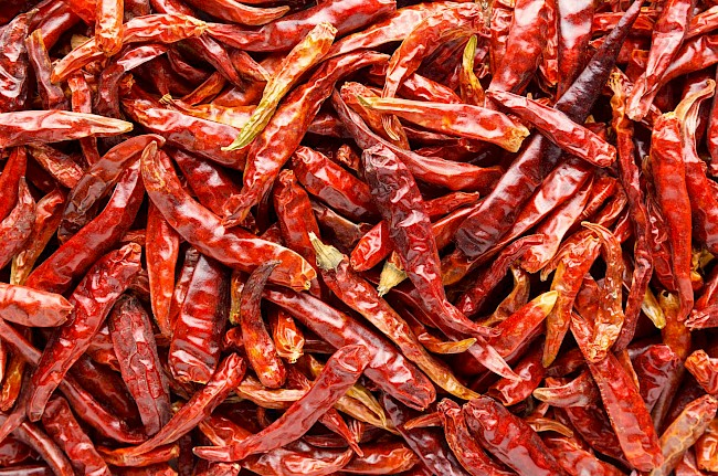 Dried chili peppers - calories, kcal