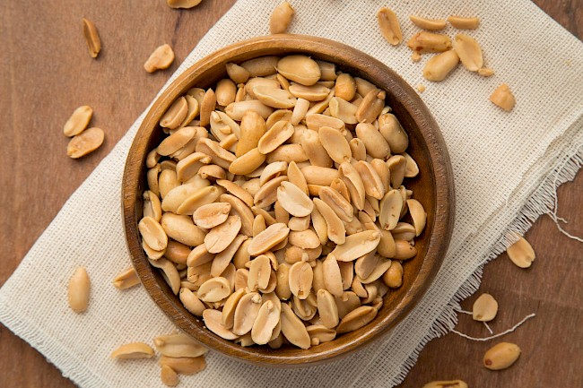 Roasted peanuts - calories, kcal