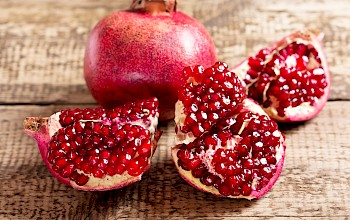 Pomegranate - calories, nutrition, weight