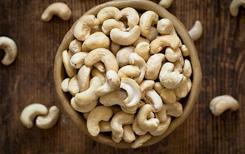 Cashew nuts - calories, nutrition, weight