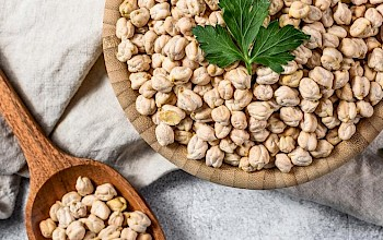 Garbanzo beans vs chickpeas - is it the same? - calories, nutrition, weight