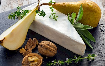 Brie - calories, nutrition, weight