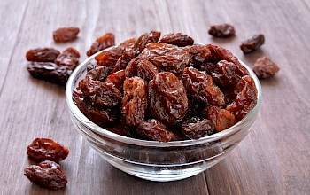 Raisins - calories, nutrition, weight
