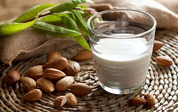 Almond milk - calories, nutrition, weight